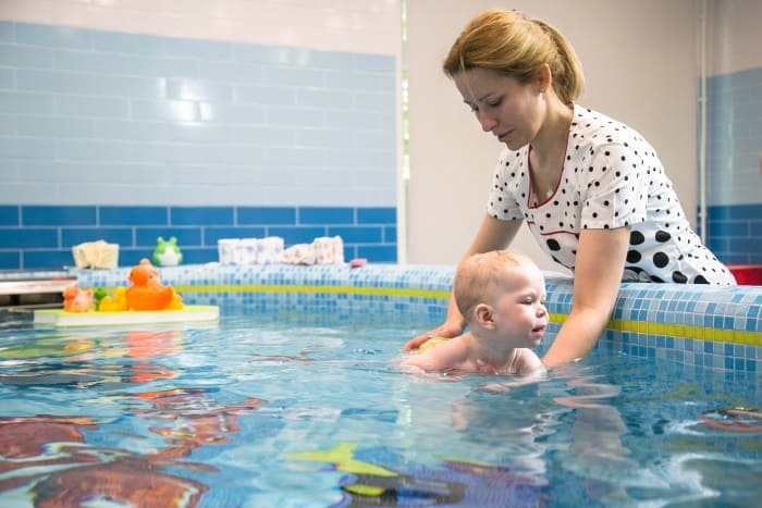 Фотография грудничкового плавания в Детском медицнском центре УДП РФ